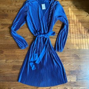 C & Co. Blue Ribbed Dress with Bow Size: L NWT!